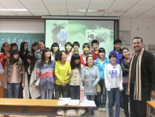 红杜鹃爱心社为留学生志愿者培训