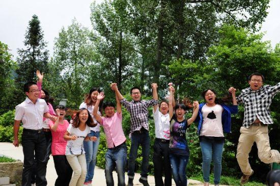 部分研究生支教团志愿者在贵州华农大石希望小学