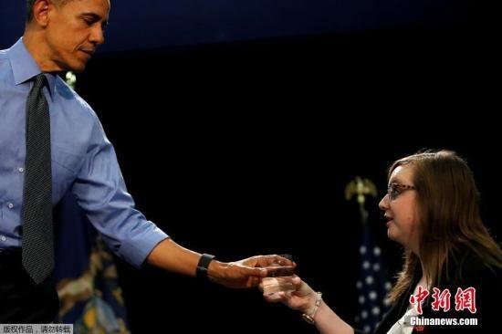 美国总统奥巴马回应一名8岁女孩来信要求,到访密歇根州弗林特市,