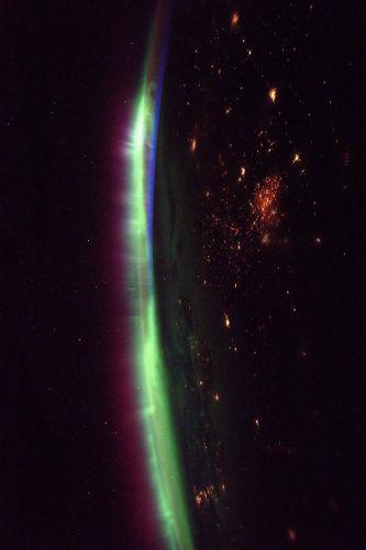 这张图片由宇航员佩斯奎特拍摄于3月27日。(图片来源:ESA/NASA)