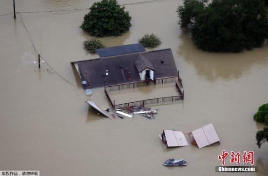 """当地时间2017年8月29日,美国得克萨斯州休斯顿,飓风""""哈维""""给休斯顿带来强降雨,城区及周边区域洪涝严重。"""