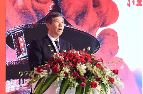 中国营养学会副理事长杨晓光教授代表杨月欣理事长到会致词