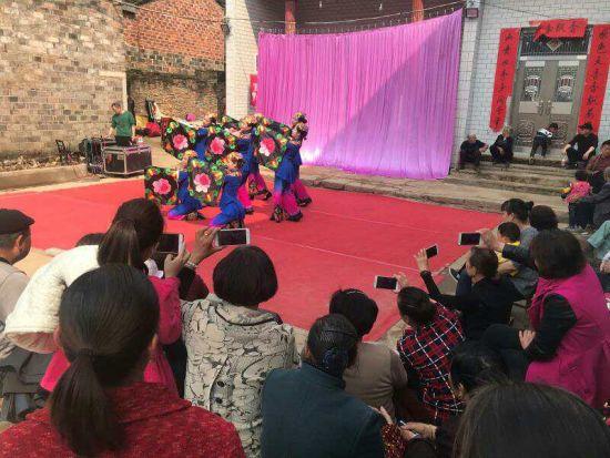 澳门真人线上赌博:图文:阳新县组织开展惠民演出活动