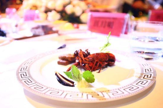 """""""聚一虾""""全新蔬菜味卤虾"""