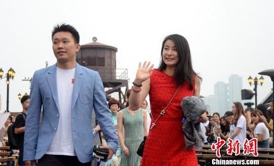 澳门首家线上赌博:跳水世界杯武汉江畔举行欢迎仪式_四位跳水女王同框