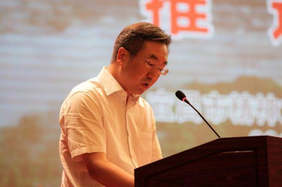 秭归县委常委、宣传部长雷青松发言 钟欣 摄