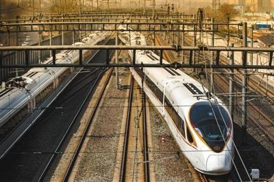 """京沪高铁长编组""""复兴号""""7月起投入运营迎接暑运。"""