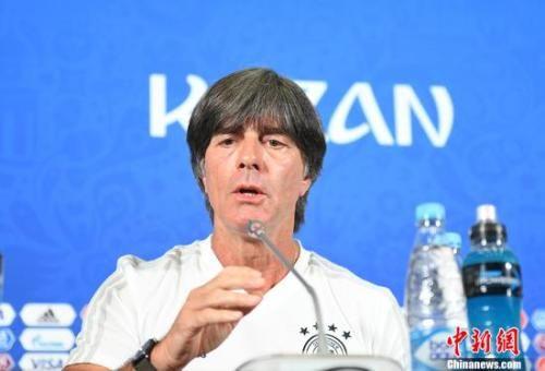 北京赛车直播软件:德国足协确认勒夫留任主帅_队内暗流涌动如何重建?