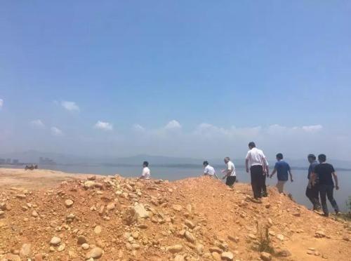 中央第四环境保护督察组检查江西省九江市群众举报案件办理情况。 图片来源:生态环境部
