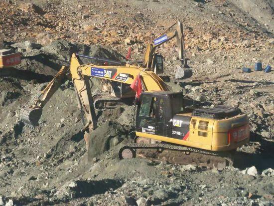 中国能建葛洲坝集团派出人员、设备在金沙江白格堰塞湖抢险 钟建彬 摄