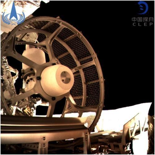 图为嫦娥四号巡视器车轮。图片来源:国家航天局/供图