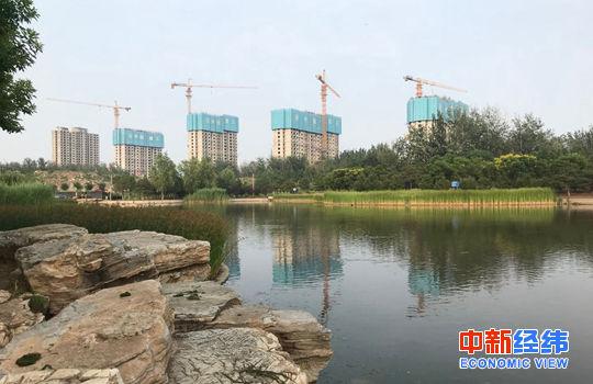 北京一个在建工地 中新经纬 薛宇飞 摄