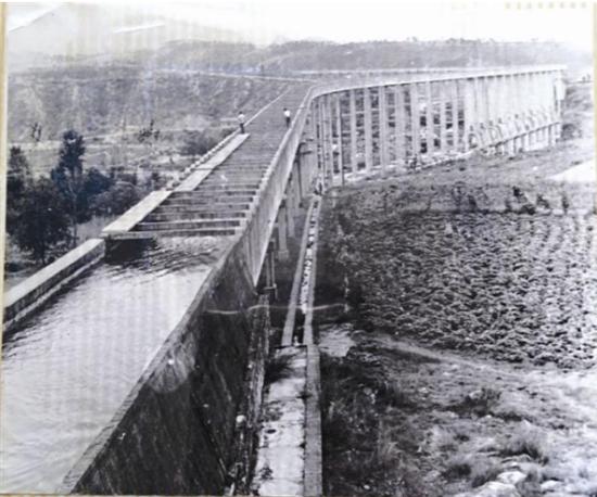 东风渠普溪河渡槽