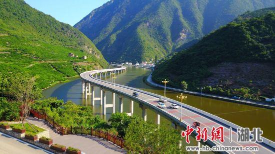 兴山县最美水上公路 周星亮 摄