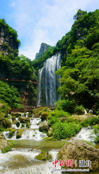 三峡大瀑布 望作信 摄