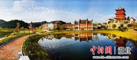 官庄村成为新农村建设的典范 望作信摄