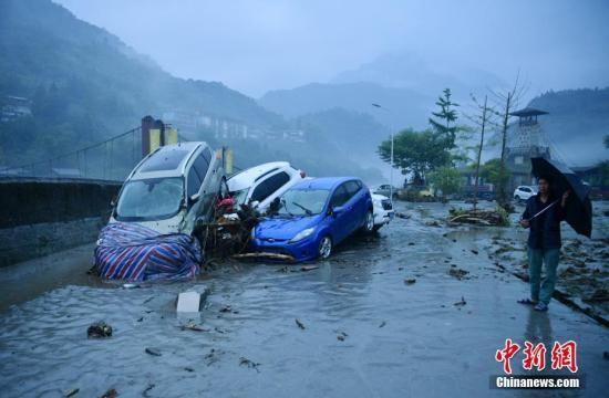 8月20日,四川阿坝州多地因强降雨发生暴雨灾害。中新社记者 刘忠俊 摄