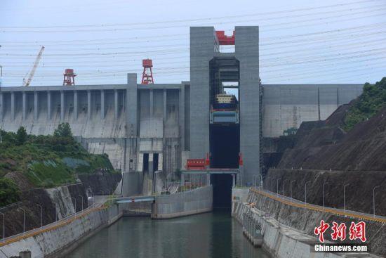 三峡枢纽2019年通过量过亿吨 黄金水道发挥黄金效益