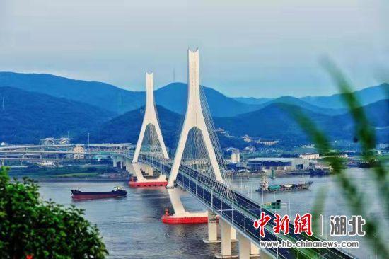 中交二航局承建的舟山富翅门大桥建成通车
