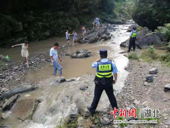 中新网湖北 湖北新闻网 6人违规