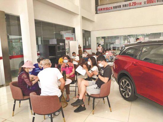 汽车消费补贴政策激活了武汉车市