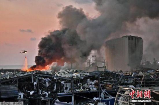 当地时间8月4日晚,黎巴嫩贝鲁特港口区发生剧烈爆炸。港口地区距离贝鲁特市区很近,爆炸波及近半个贝鲁特城区,不少建筑物玻璃损毁。