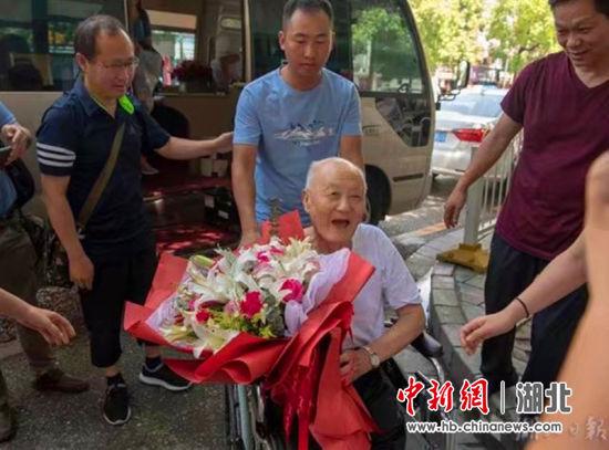 湖北来凤:坚守初心服务社区践行退伍军人本色