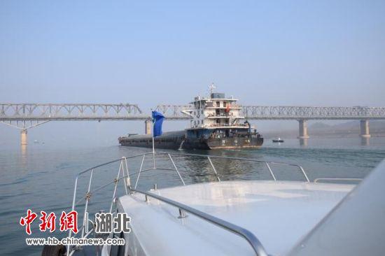 枝城长江大桥水域航路优化调整一年成效明显
