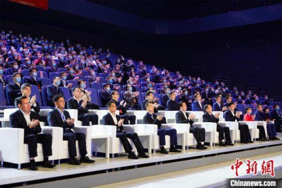 第六届全国双创活动周湖北会场在武汉启动 周瑞琪 摄