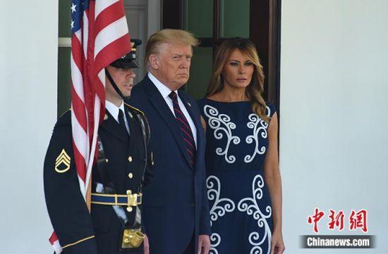 资料图:特朗普和梅拉尼娅在白宫。中新社记者 陈孟统 摄