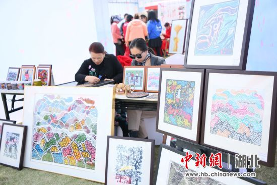 版画作品展示 刘康 摄