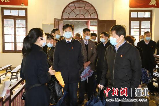 参观武昌农民运动讲习所纪念馆 史凡 摄