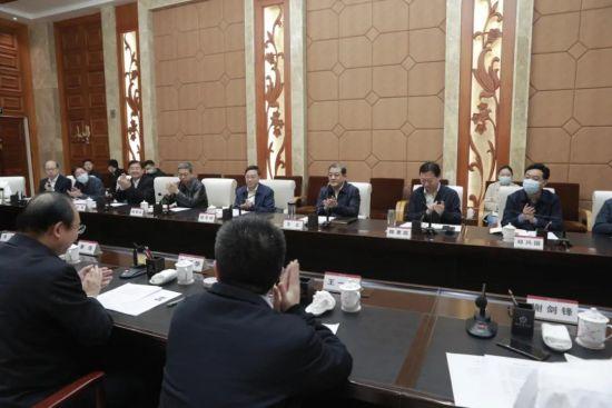 葛洲坝集团董事�%_河南省代省长与葛洲坝集团董事长会谈