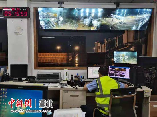 乘客突发疾病 航班紧急备降宜昌三峡机场