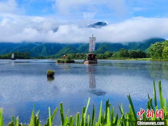 盛夏的神农架大九湖美如仙境。(拍摄于7月20日) 大九湖镇政府供图