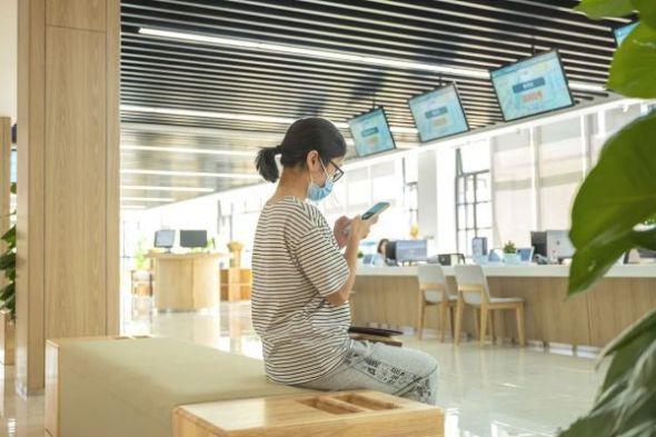 江汉大学新建的师生服务中心