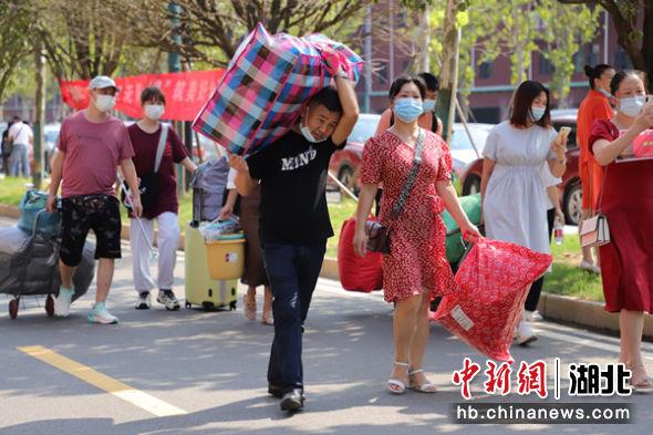3500余名新生入驻武昌首义学院嘉鱼校区