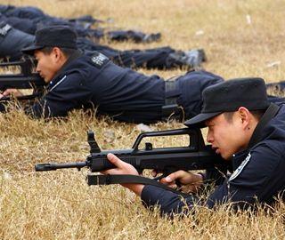 三峡特警举行实战大比武 真枪实弹现场PK