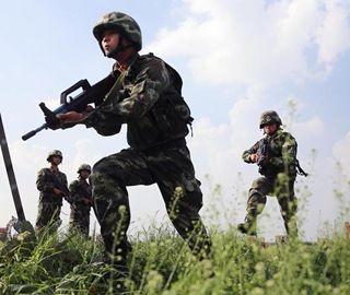 """湖北300余名武警接受集训 冲击""""特战梦"""""""