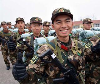 湖北近5000名武警新兵开启首次野营拉练