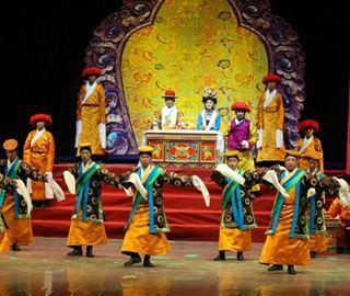 传统藏戏《卓娃桑姆》亮相武汉走进高校