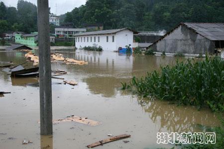 咸丰县丁寨乡遭受特大洪灾