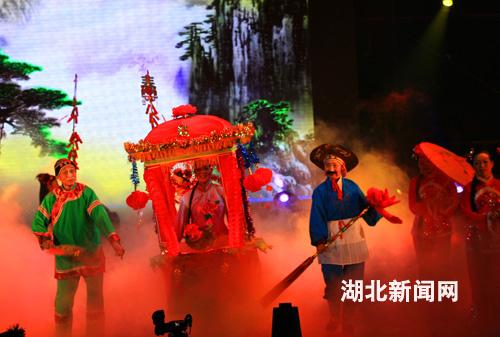 鄂东民间舞蹈《彩莲船》