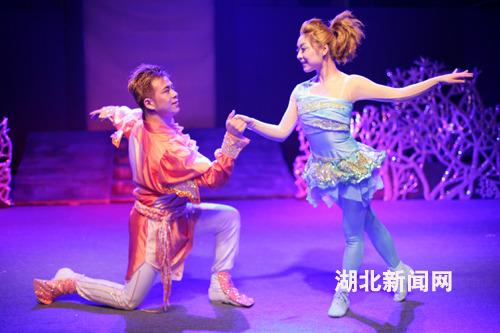 河南省木偶剧团大型木偶卡通剧《小