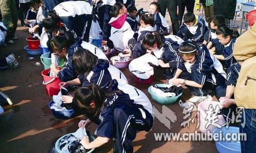 壶关新闻网中学生齐上洗衣课大呼真累深感湖北高中长平图片
