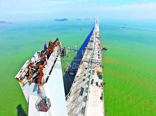 门媒体 港珠澳大桥料8月全桥合龙 明年夏季通车