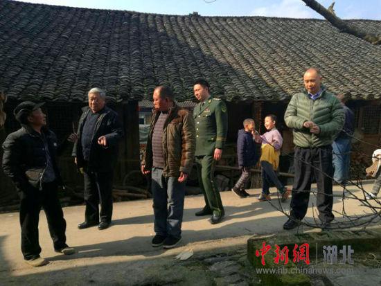 中新网湖北 咸丰县一连片木质房村寨存重大安全隐患被排除