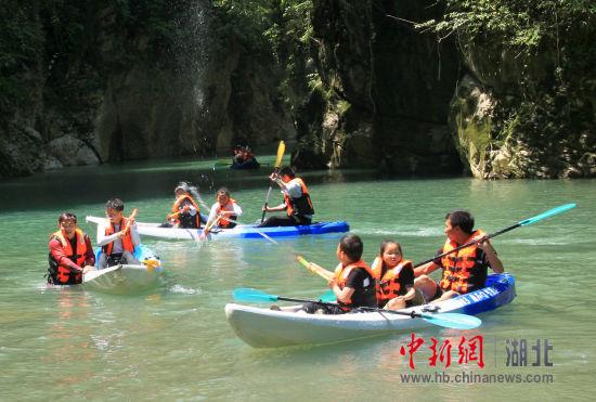 新加坡金沙会娱乐城:湖北石门河景区开辟沙滩河道项目_供游客免费消暑