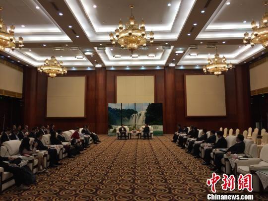 金沙国际娱乐官网:香港精英组团访贵州_探大数据领域合作