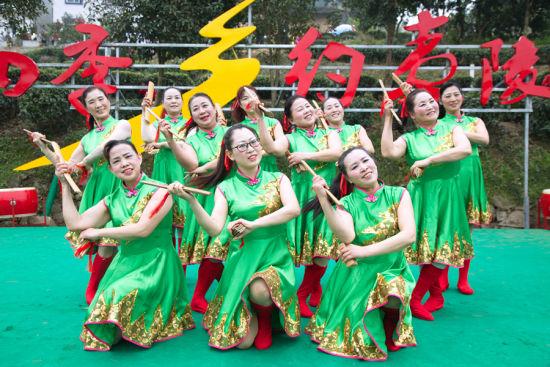 "js33555.com金沙:宜昌市夷陵区侨之韵艺术团唱响新时代""好声音"""